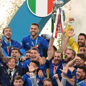 italy-wins-euro-2020-trophy